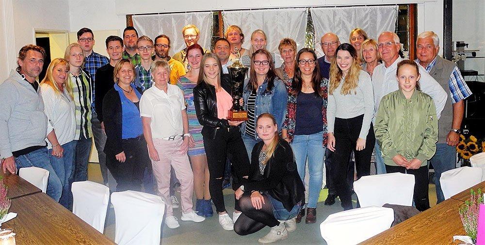 Sieger der Tennis-Westmeisterschaft. Wolfgang Höhne Pressewart ATV Dorstfeld