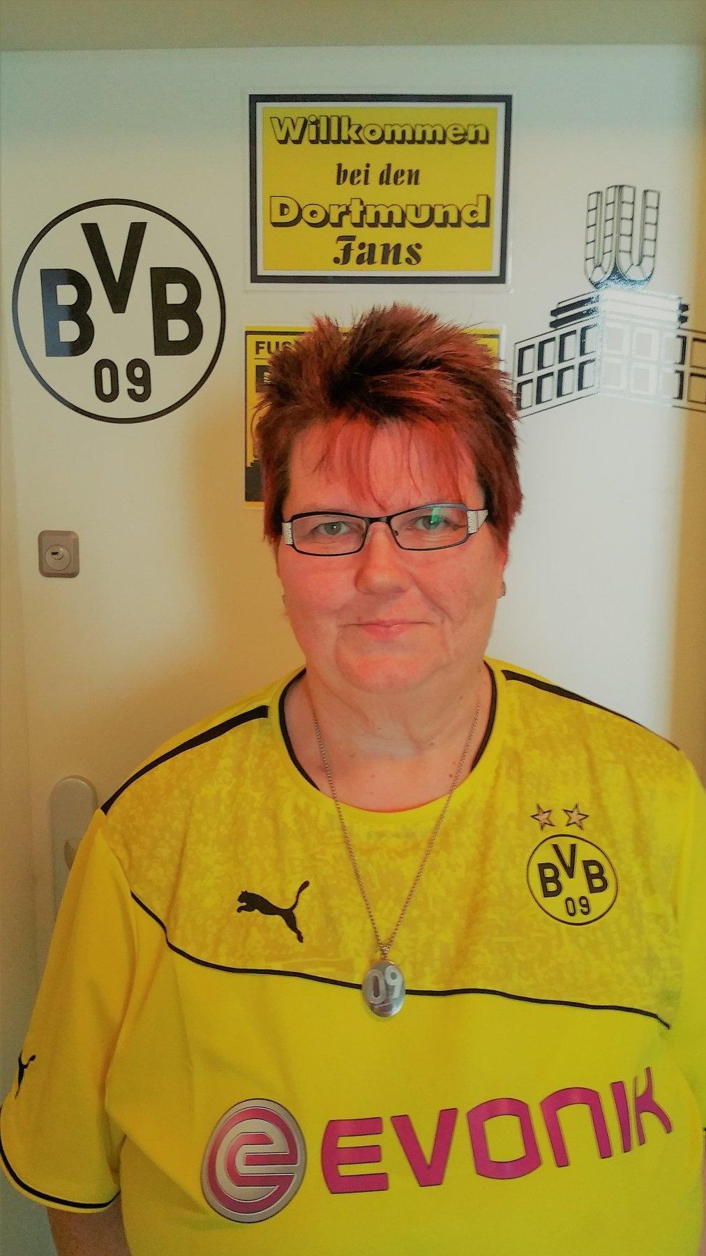 Vier Fragen an BVB-Fans: Elke Wache aus Dortmund