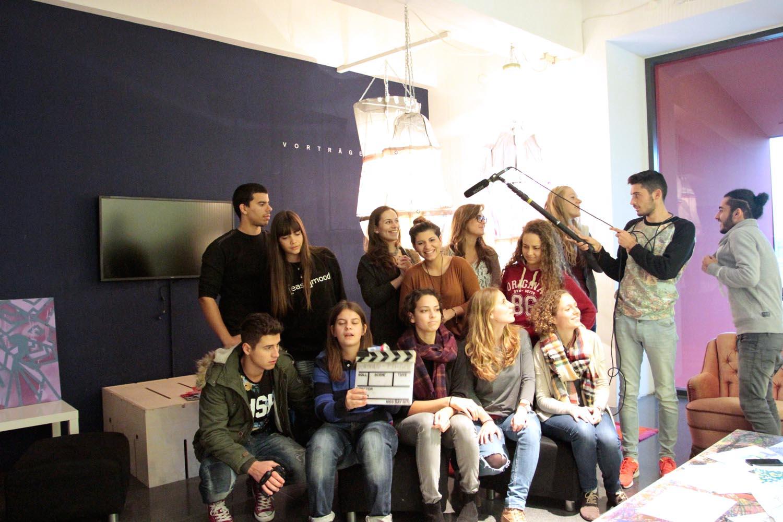 Jährlich schickt die Junge Akademie für Dokumentarfilm YOUNG DOGS Jugendliche in andere europäische Länder. (Foto: YOUNG DOGS)