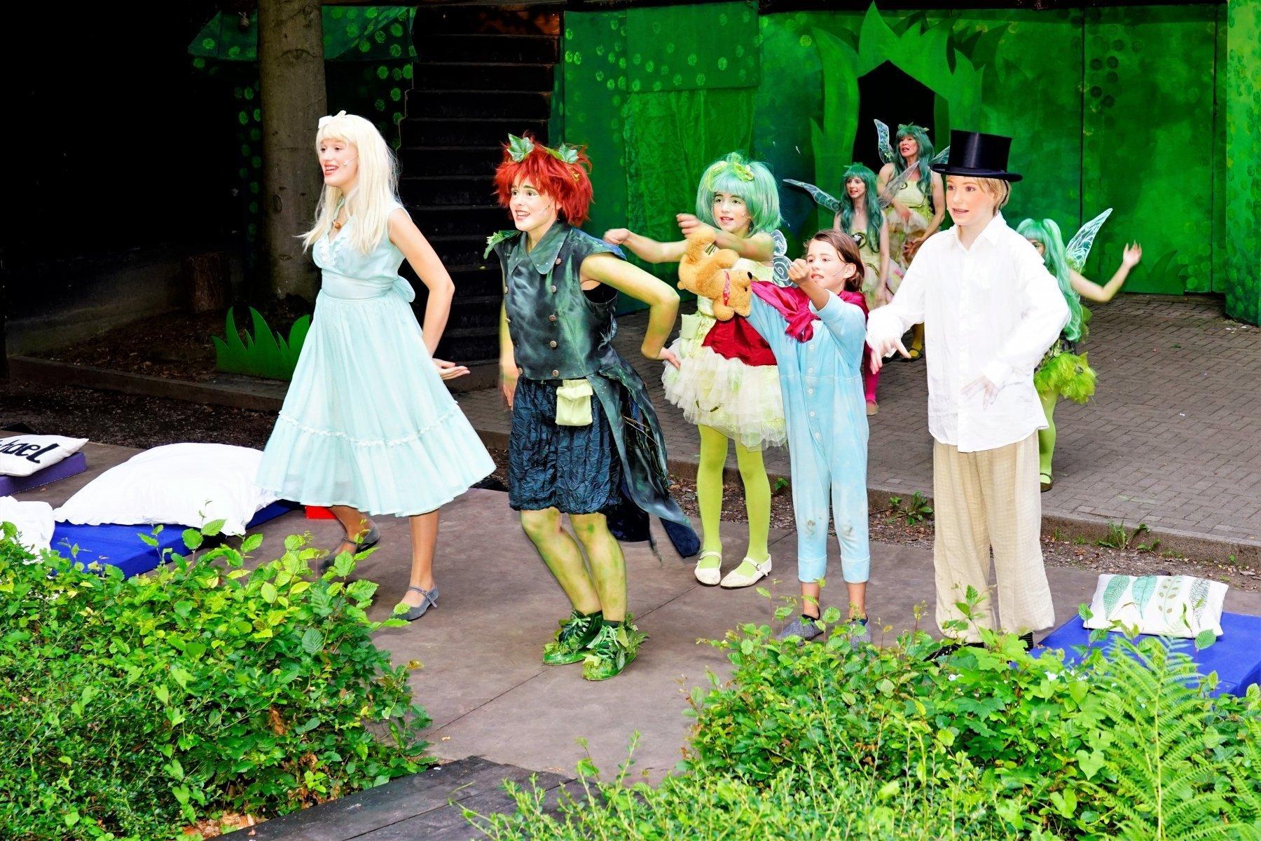 (v. l.) Wendy, Peter Pan, Tinkerbell, John und Michael (Fotos: IN-StadtMagazine)