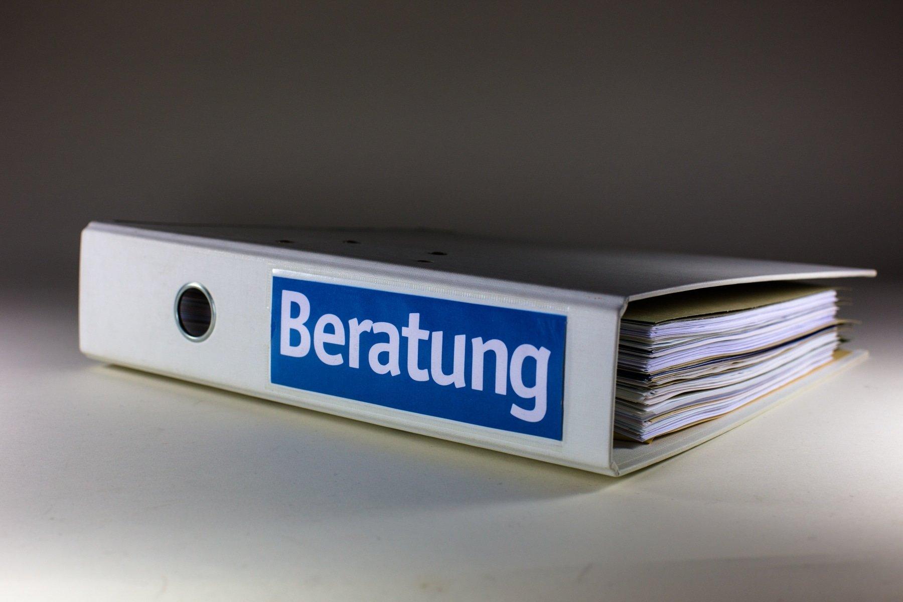 Inzidenzwert und Hygienemaßnahmen erlauben wieder eine persönliche Beratung. (Symbolfoto: Rainer Sturm  / pixelio.de)