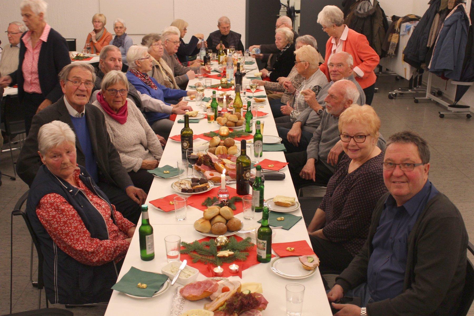 Artikel Weihnachtsfeier.Weihnachtsfeier Der Kab Mit Aus Und Rückblick In Stadtmagazine