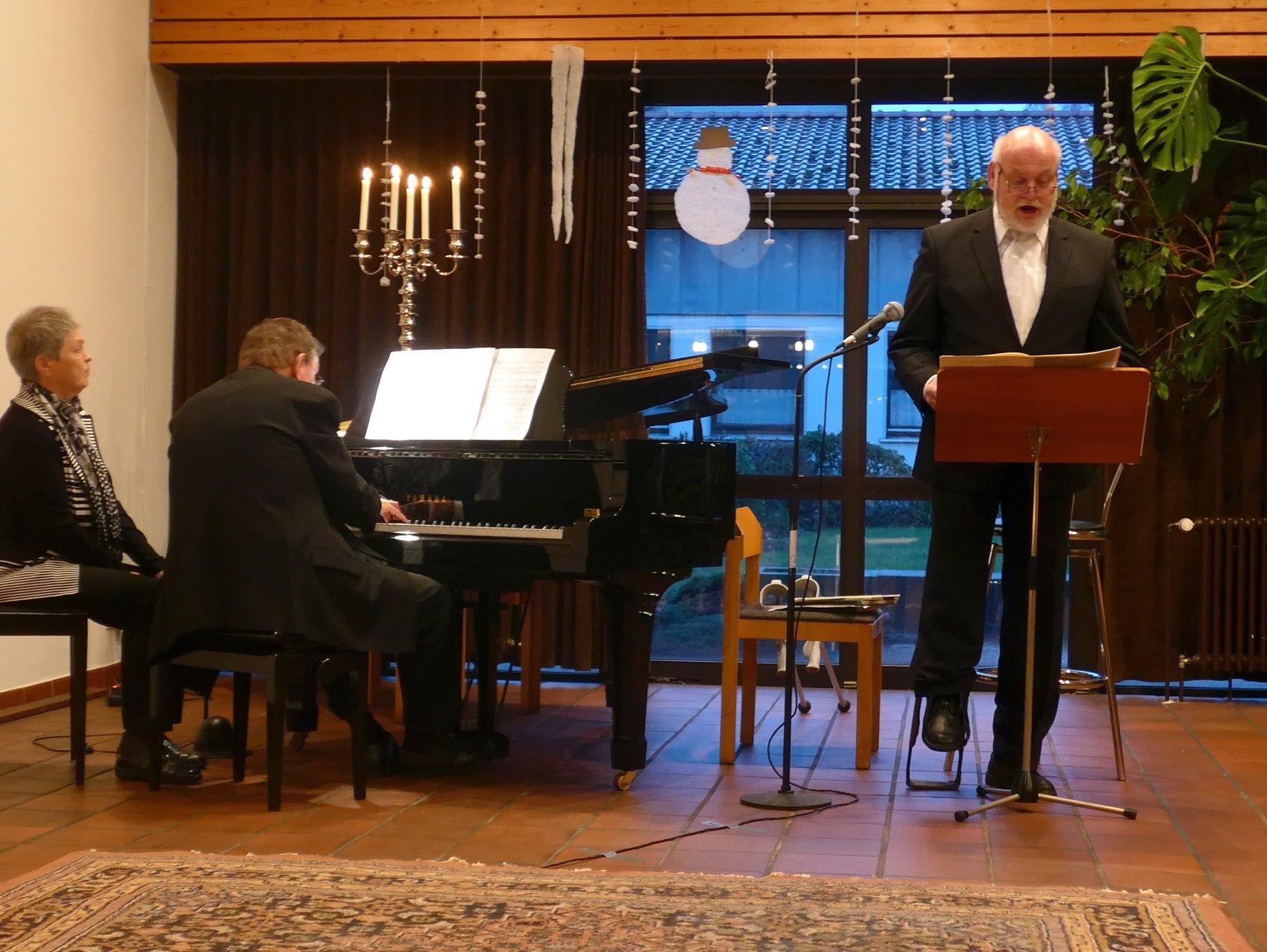 Der Pianist Achim Launhardt und der Bassist Gerrit Miehlke, beide aus Dortmund, gastierten Ende Januar auf Einladung der Kirchengemeinde Sankt Marien Sölde, für den Pastoralen Raum St. Ewaldi Dortmund, zum gemeinsamen Konzert. (Foto: Gemeinde)
