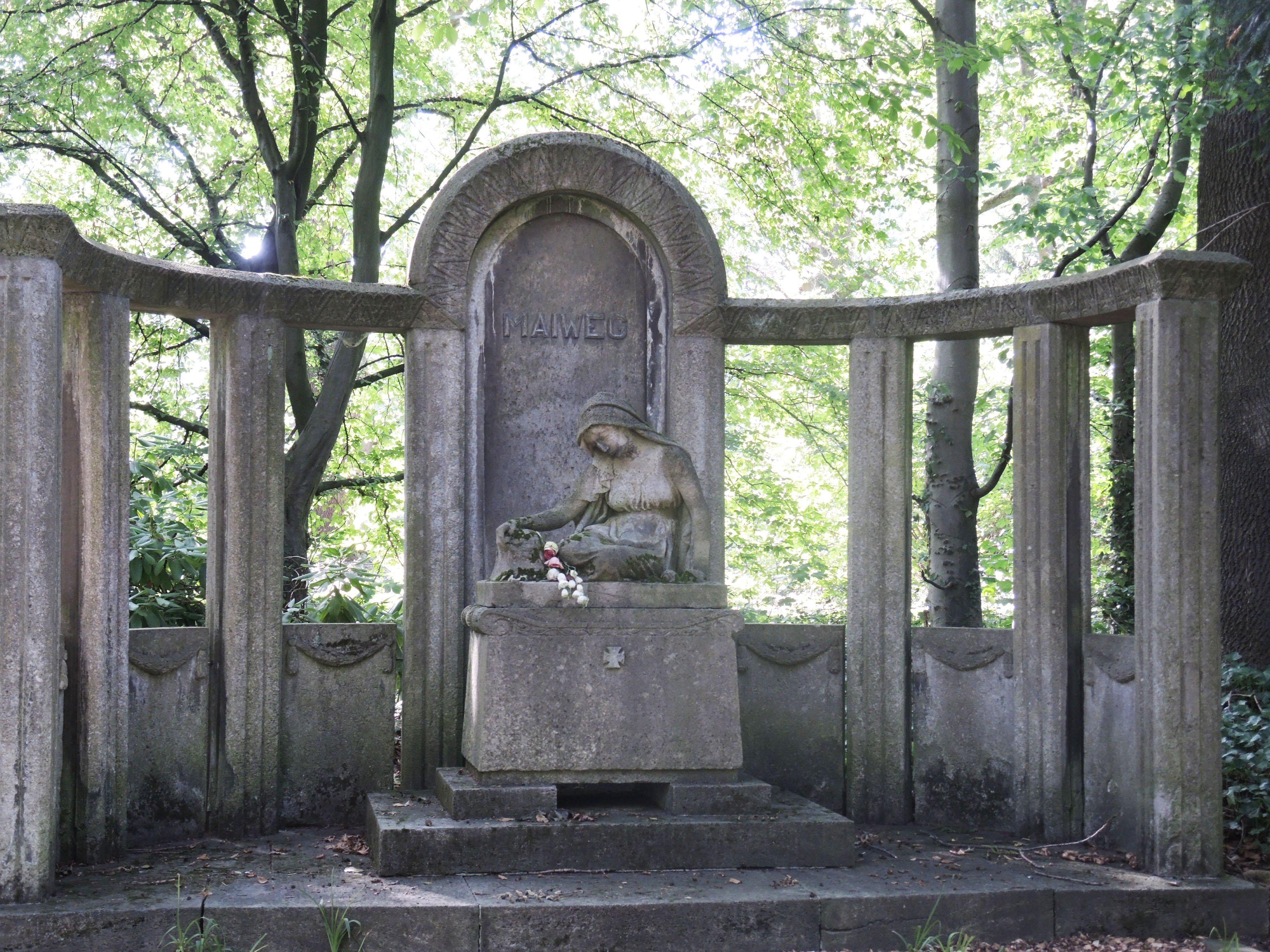 Auf dem Ostfriedhof gibt es zahlreiche denkmalgeschützte Skulpturen und Denkmäler. (Archivfoto: Wir in Dortmund)