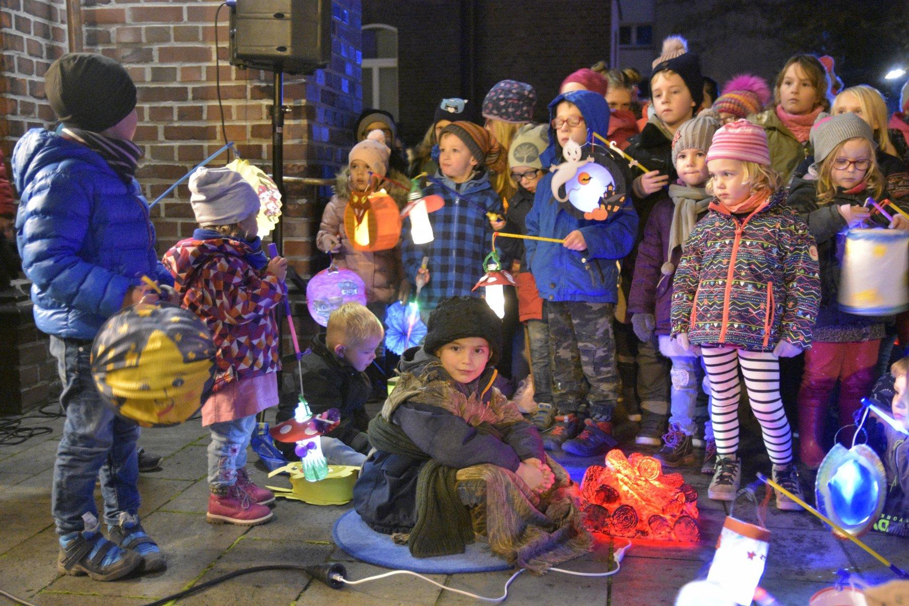In Marten waren die Kinder des Kneipp-Kindergartens aktiver Teil der Martinslegende. (Fotos: IN-StadtMagazine)