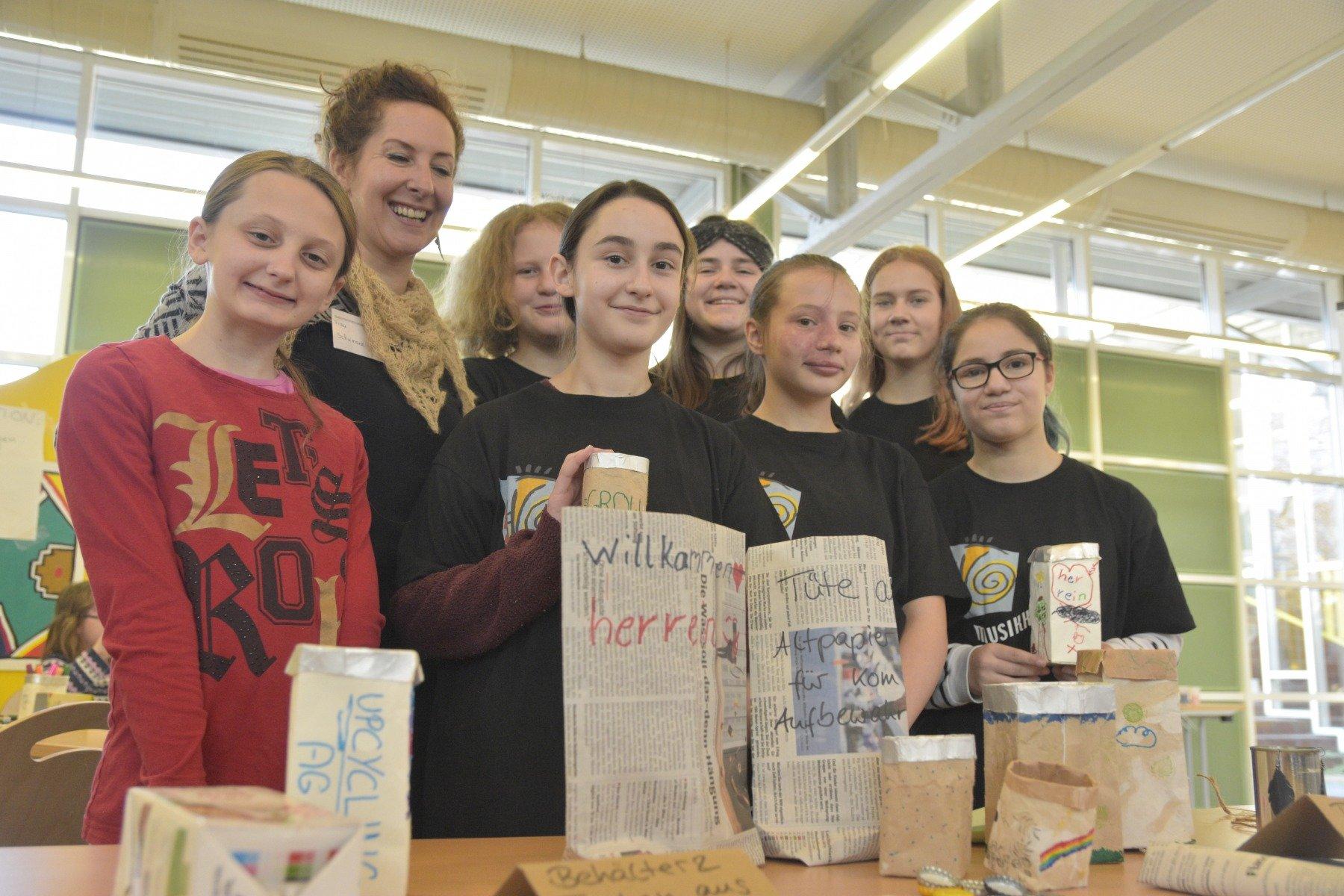 Die Mitglieder der neugegründeten Upcycling-AG investieren ihre Freizeit, um Nachhaltigkeits-Ideen zu entwickeln. (Fotos: IN-StadtMagazine)