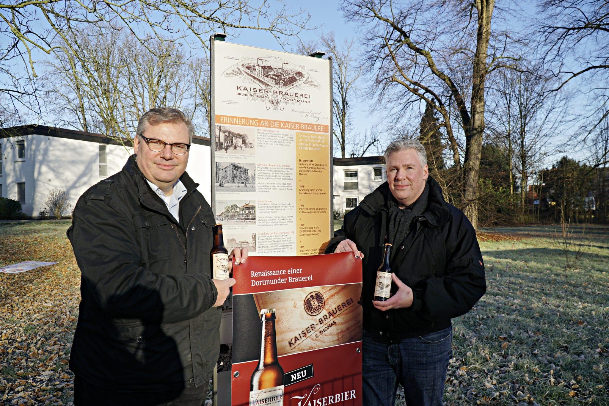Ingo (l.) und Folker Hertelt (r.) sind die Nachfahren der Brauer-Familie Thomas. (Foto: IN-StadtMagazine)