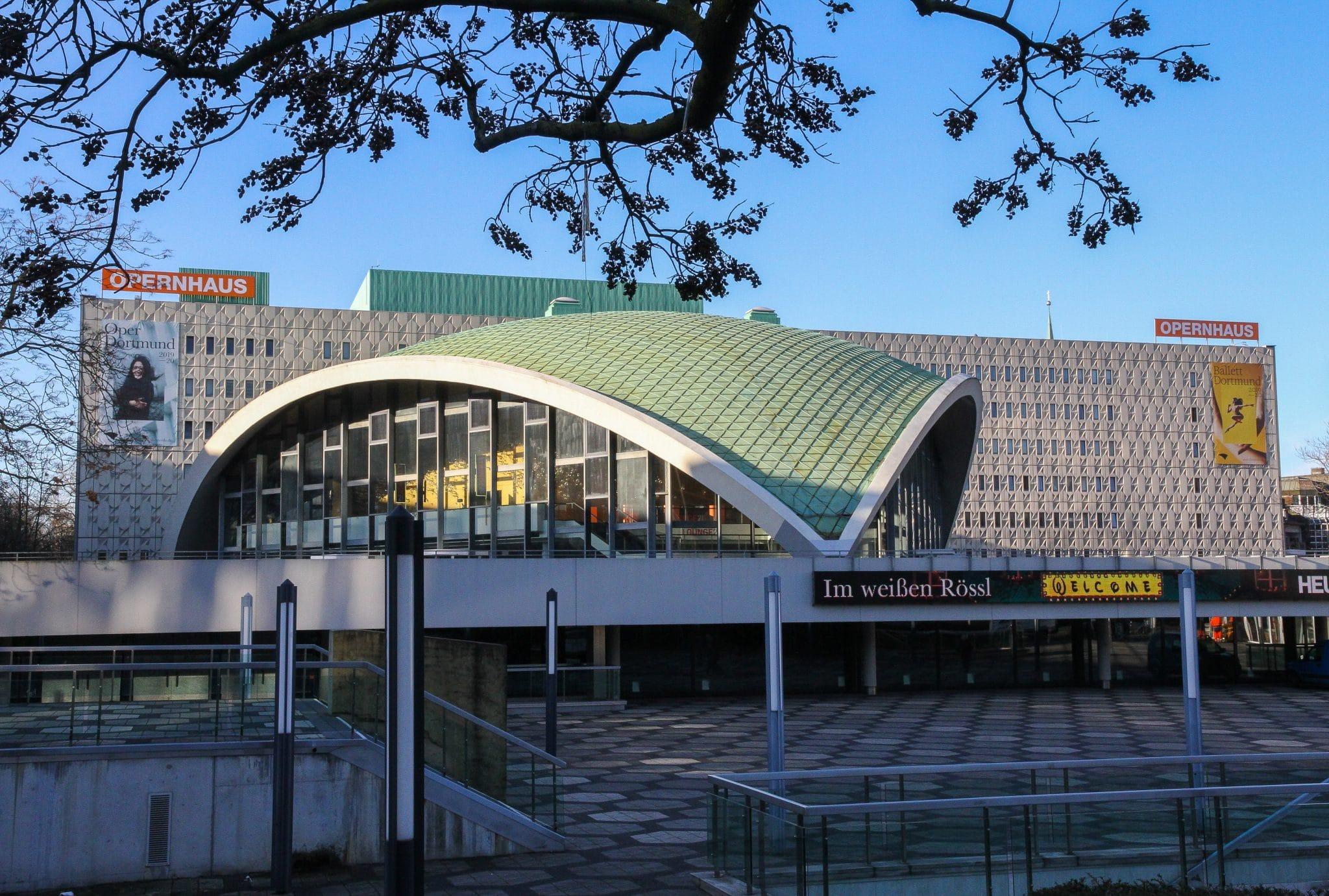 Der Verwaltungsvorstand der Stadt Dortmund hat dem Rat der Stadt empfohlen, die Verträge des Intendanten der Oper, Heribert Germeshausen, und des Generalmusikdirektors Gabriel Feltz zu verlängern. (Archivfoto: Wir in Dortmund)