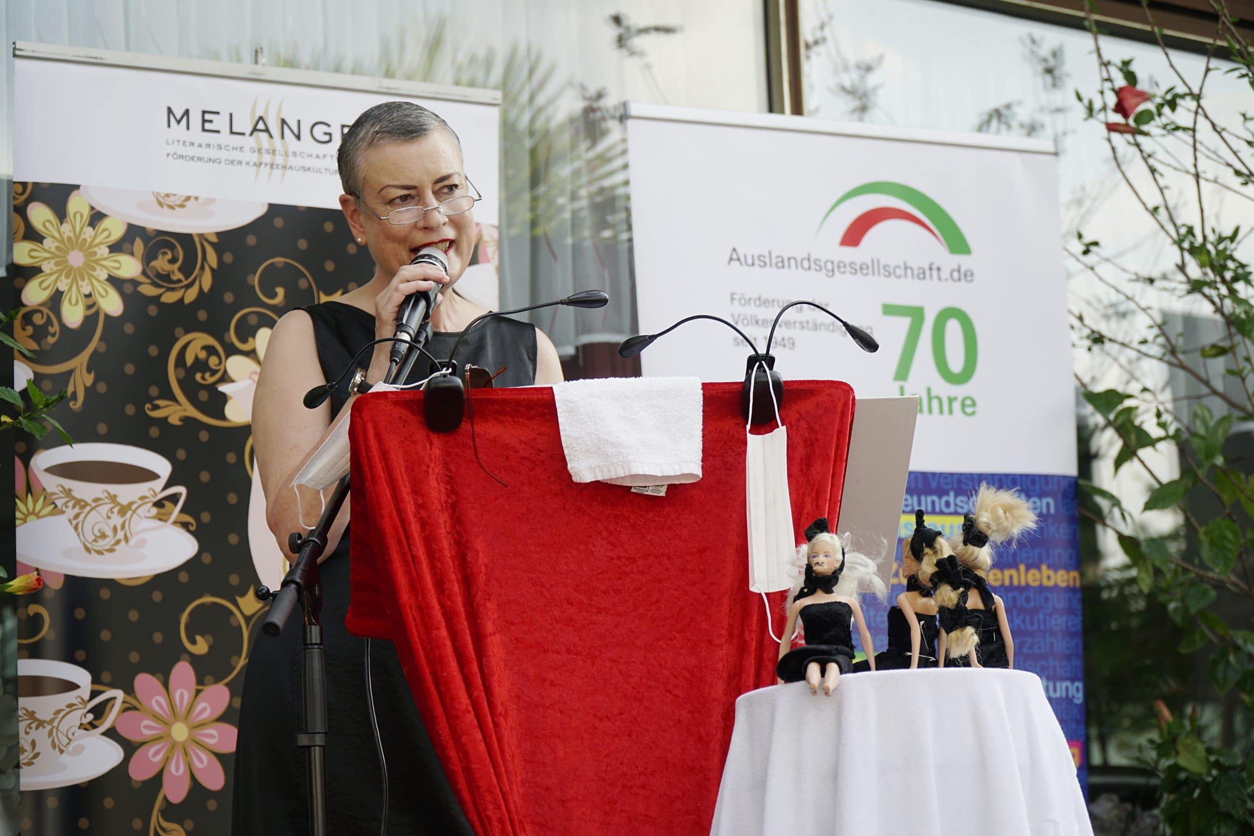 Mit ihrer beeindruckenden Stimme sorgte Tirzah Haase für Gänsehautathmosphäre. (Fotos: IN-StadtMagazine)