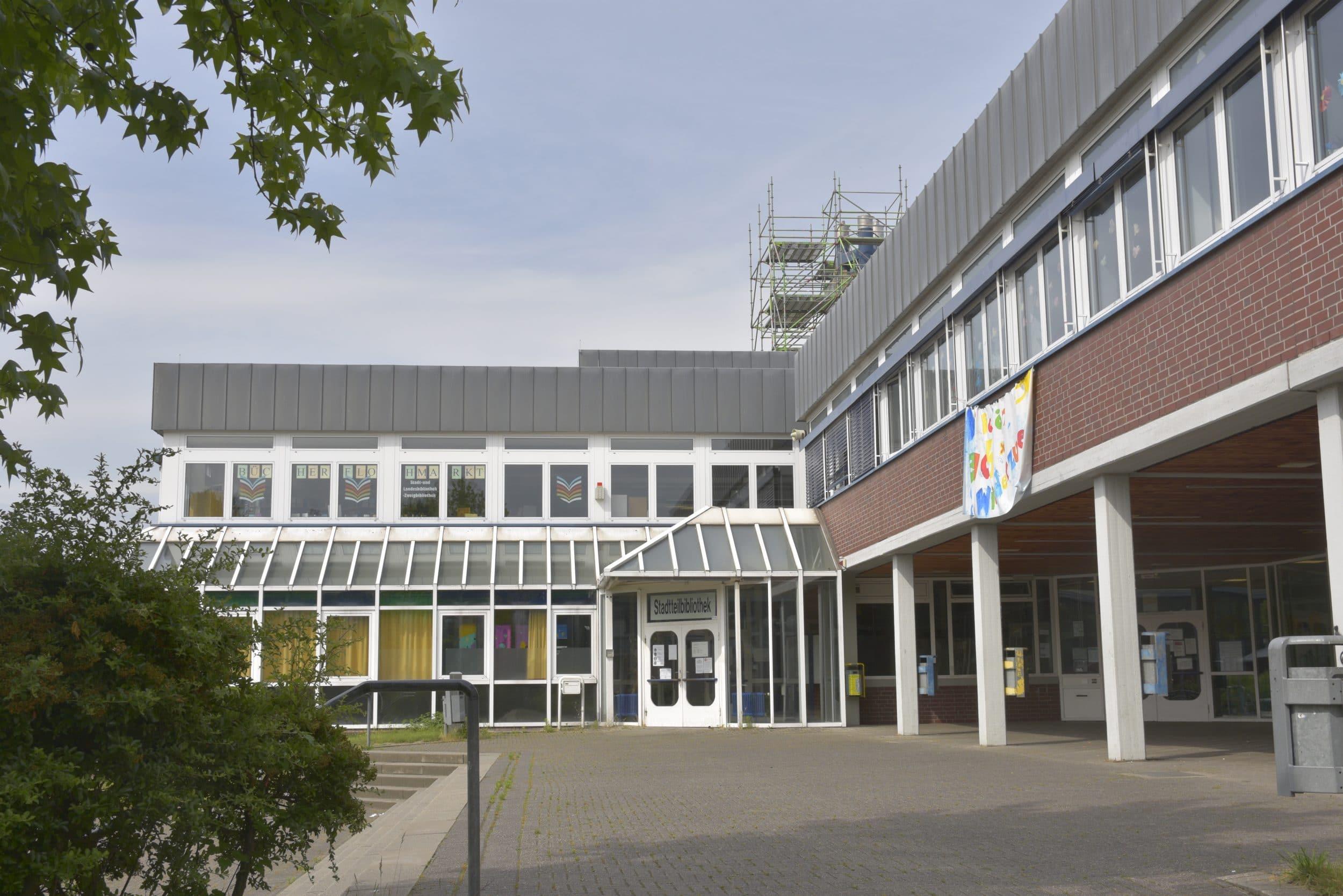 Die Huckarder  Stadtteilbibliothek befindet sich in der Gustav-Heinemann-Gesamtschule. (Archivfoto: Wir in Dortmund)