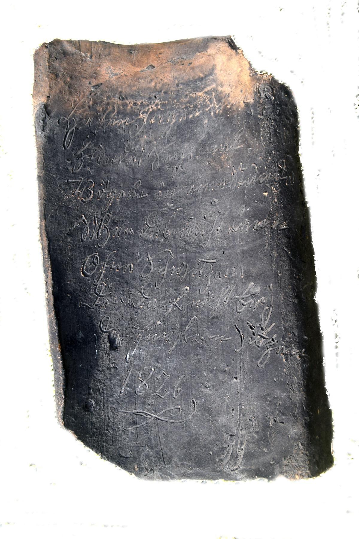 Ein Dachziegel erzählt aus alter Zeit