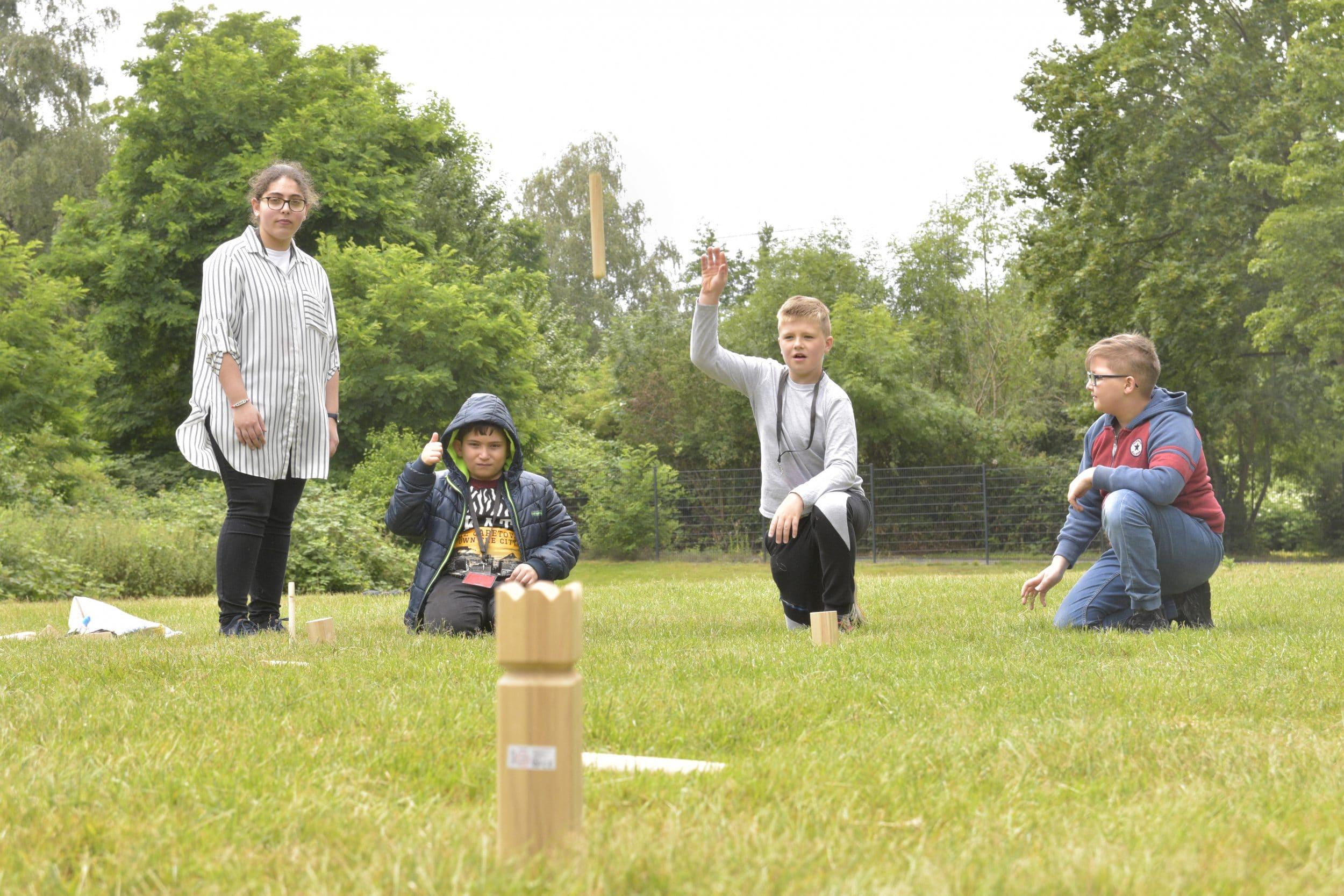 Mit Kennenlern-Aktionen begann der erste Tag. Schach zu spielen wie ein Wikinger war da keine schlechte Wahl. (Fotos: IN-StadtMagazine)