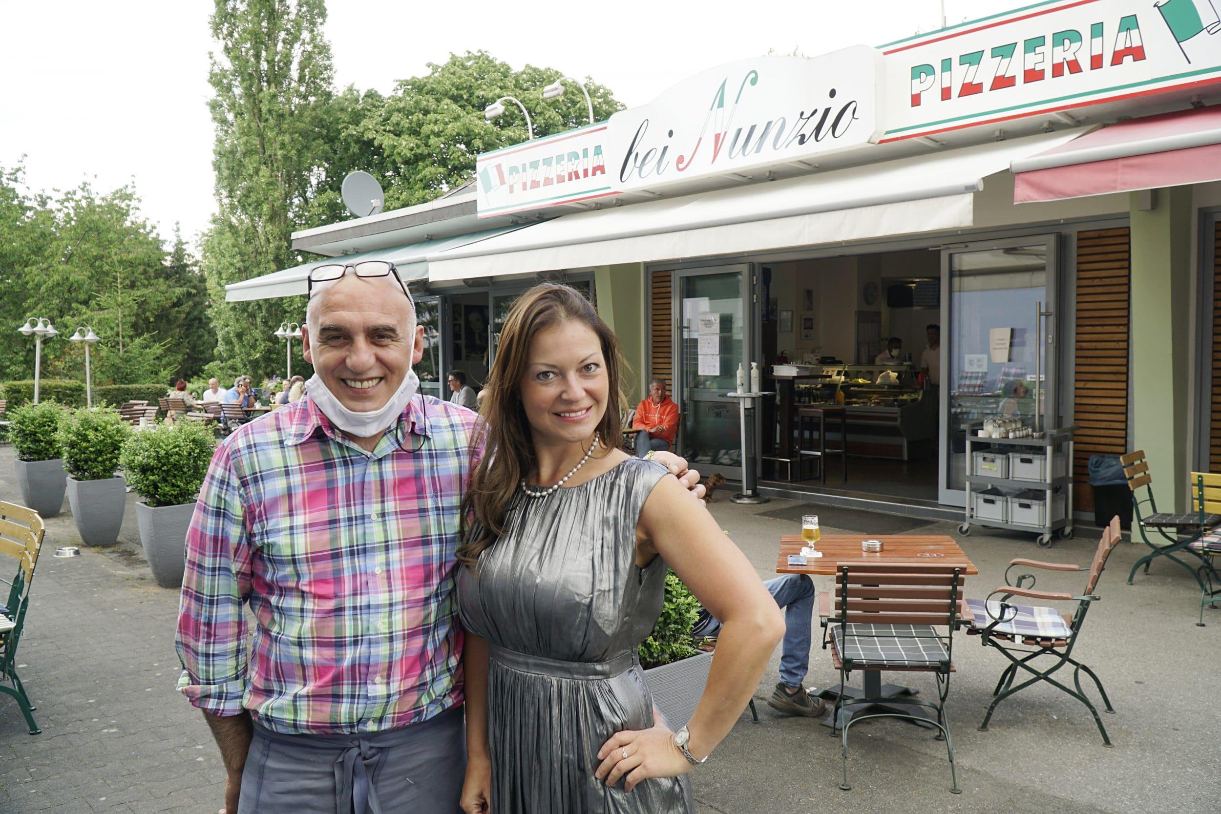 """""""Sie ist gut"""", sagt Nunzio Lo Iacona (l.) von Margarita Lebedkina (r.). (Fotos: IN-StadtMagazine)"""