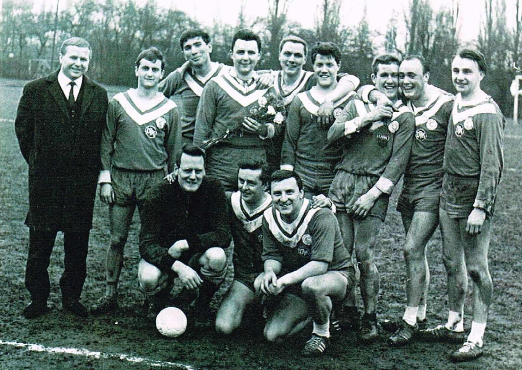90 Jahre DJK Ewaldi Aplerbeck: Einer der größten sportlichen Erfolge des Vereins ist bis heute der Aufstieg in die Industrieliga (Feldhandball) 1965. (Foto: Chronik DJK)