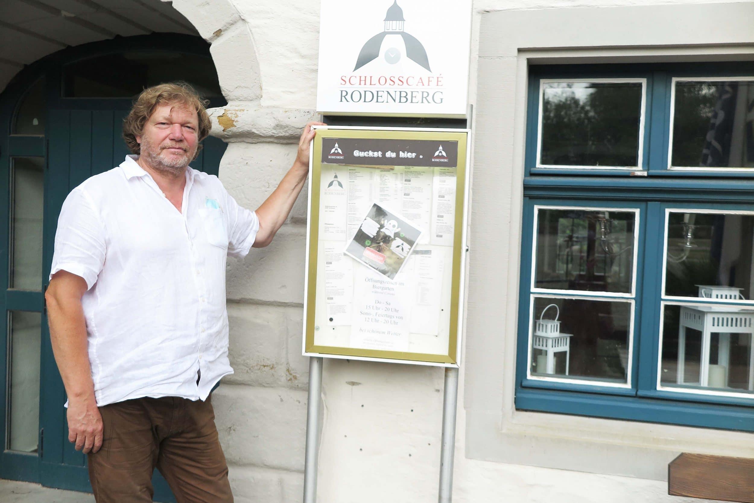 Jörg Wiedelmann ist mehr als erleichtert, dass die Küche in Betrieb genommen werden kann. (Foto: IN-StastMagazine)