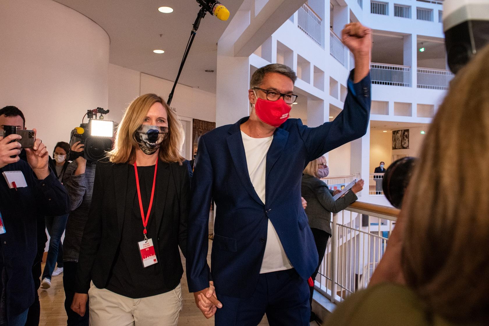 Thomas Westphal mit seiner Frau Janine. (Foto: Dortmund-Agentur / Roland Gorecki)