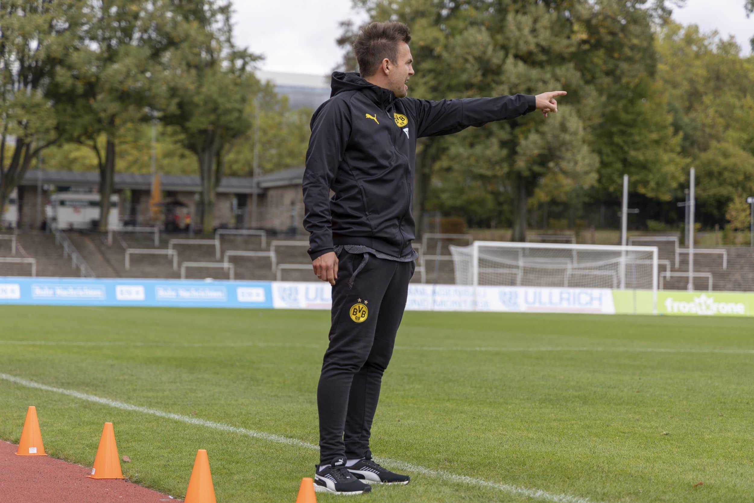 Wie Enrico Maaßen die U23 des BVB zu Erfolgen führen will. (Fotos: IN-StadtMagazine)