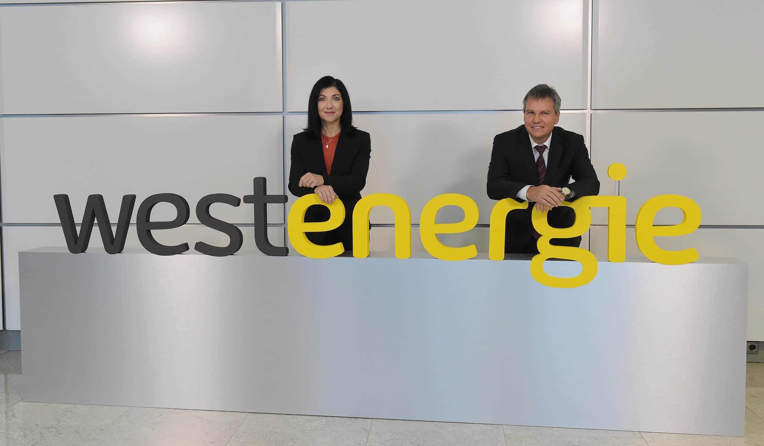 Die Vorstandsvorsitzende Katherina Reiche und Finanzvorstand Achim Schröder während der Pressekonferenz am Hauptsitz der Westenergie in Essen. (Foto: Westenergie)