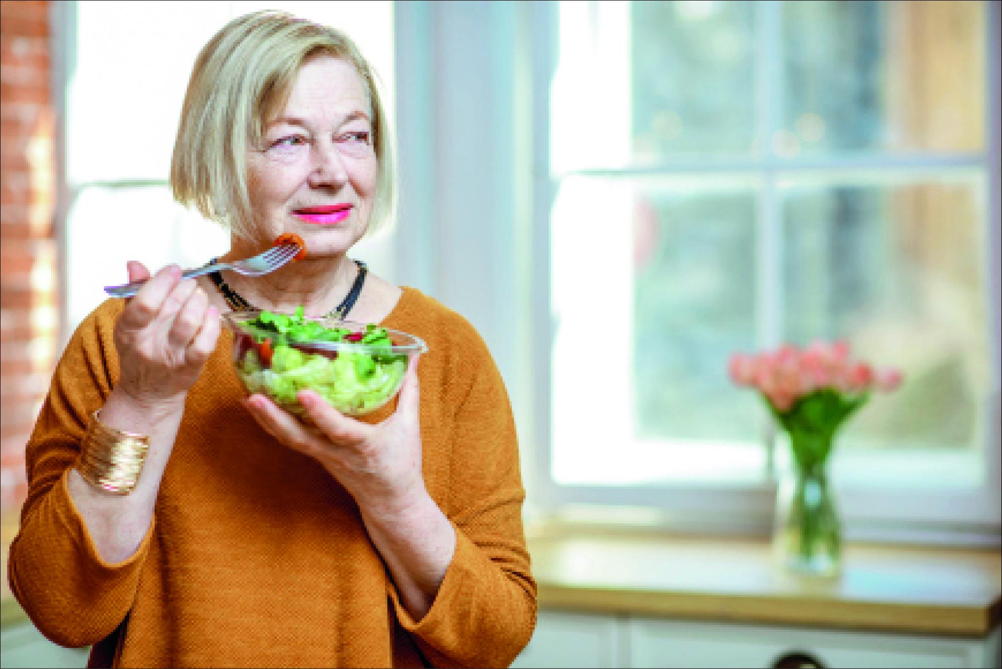 Obst und Gemüse gehören zu einer gesunden Ernährung und unterstützen das Immunsystem, damit Infekte besser abgewehrt werden können. (txn-Foto: O. Kachmar/123rf/Trinknahrung.pro)
