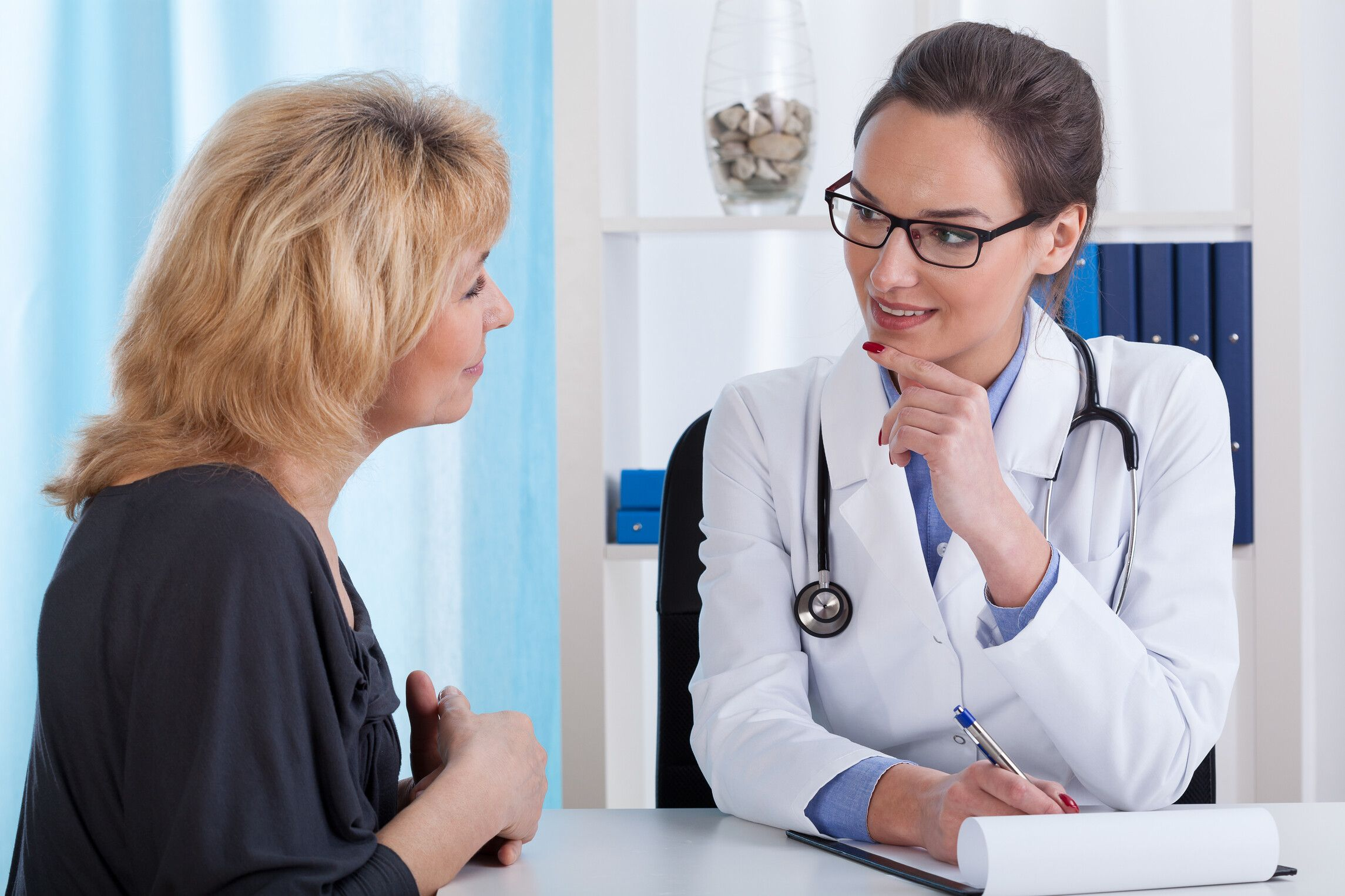 Wenn Krebs frühzeitig erkannt wird, bestehen gute Heilungschance. Daher sollte die Chance der frühen Diagnostik unbedingt genutzt werden. (Foto: AOK/hfr.)