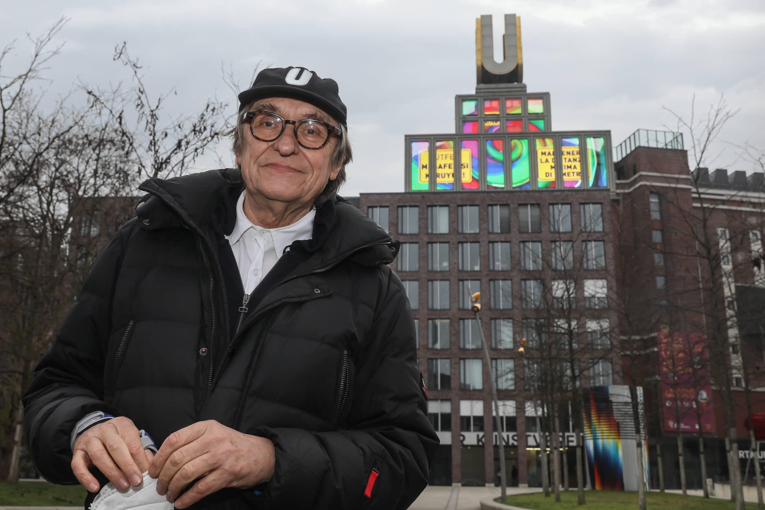 Adolf Winkelmann vor dem Dortmunder U. (Foto: Oliver Schaper/Wir in Dortmund)