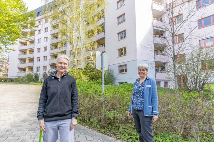 (v. l.) Quartiersmanagerin Claudia Hiddemann-Holthoff und Andrea Bergstermann, Einrichtungsleiterin und Geschäftsführerin des Hermann-Keiner-Hauses. (Foto: Wir in Dortmund)