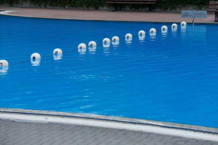 Im Hardenberg-Bad bereitet man mögliche Szenarien vor. (Foto: Stephan Schütze/Wir in Dortmund)