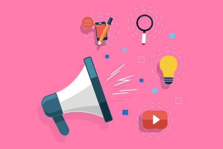 """Der Online-Workshop behandelt das Thema: """"Hatespeech und extremistische Ansprache in sozialen Medien – welche Strategien dahinter stecken, wie man diese erkennen und was man ihnen entgegensetzen kann"""". © kreatikar via www.pixabay.com"""