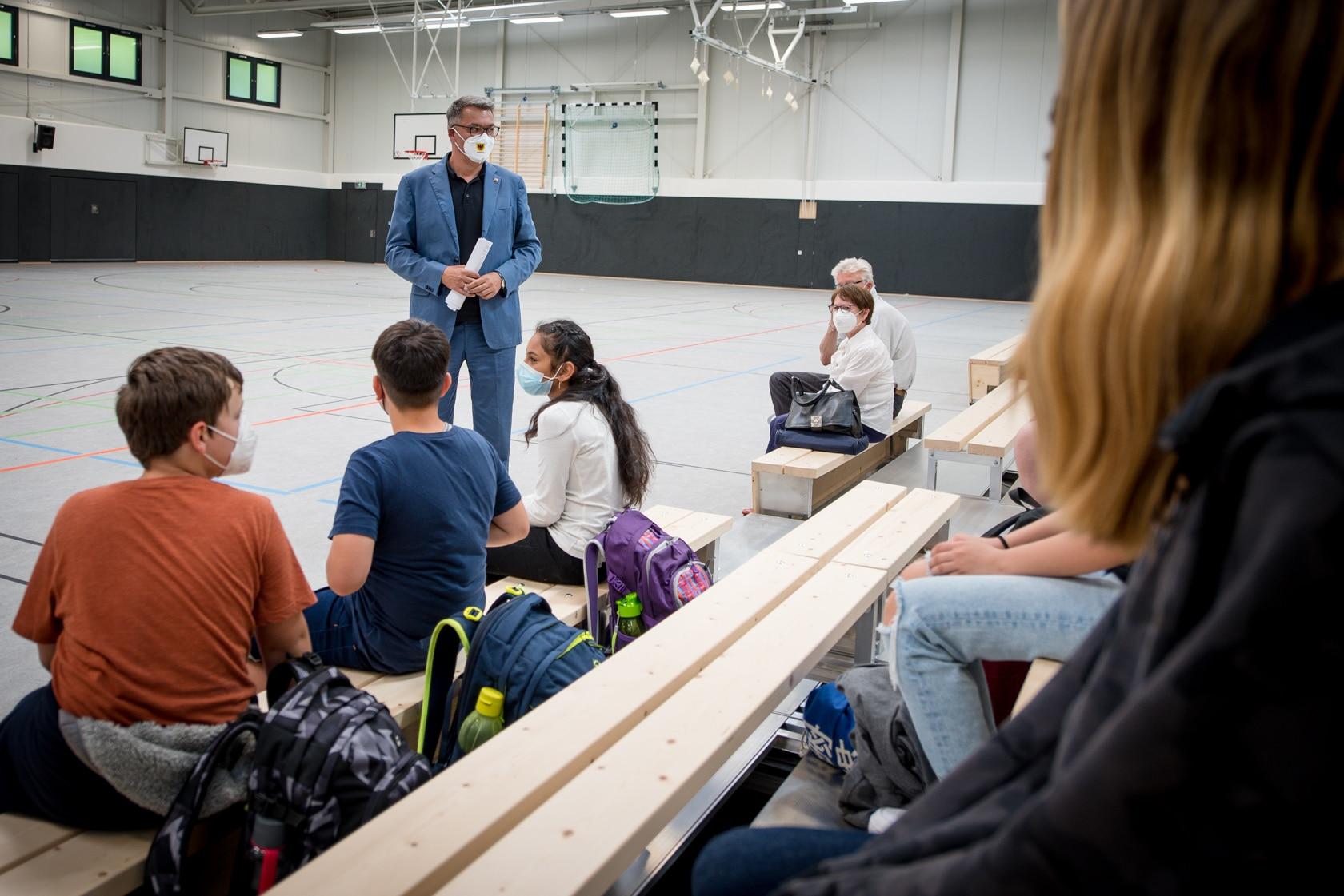 Millionenprogramm für Sport- und Turnhallen – OB Thomas Westphal übergibt Neubau der Dreifach-Halle in der Gartenstadt