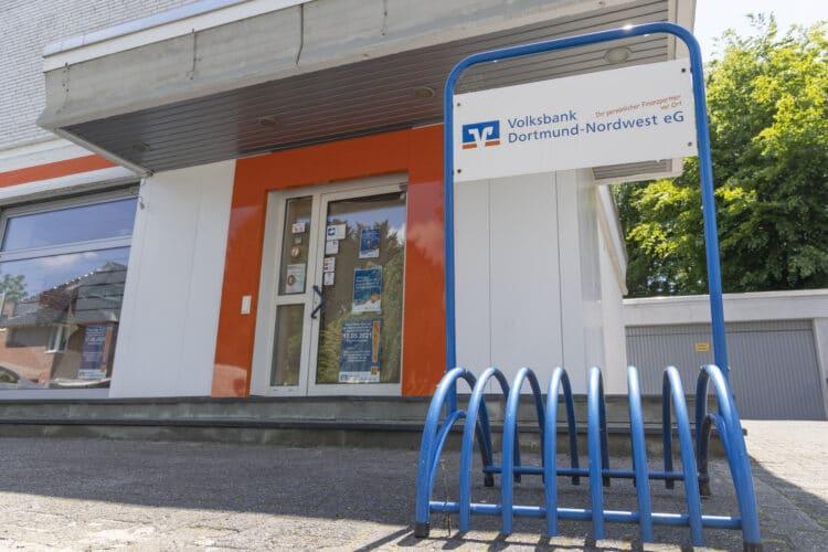 Hier werden künftig keine Fahrräder mehr parken: Oespeler Kunden der Volksbank Dortmund-Nordwest müssen seit Anfang Mai die Filiale in Lütgendortmund ansteuern. (Foto: Wir in Dortmund)