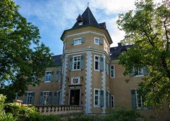 """Die Alloheim Senioren-Residenz """"Schloss Westhusen"""" steht Ratsuchenden zur Seite. (Foto: Wir in Dortmund)"""