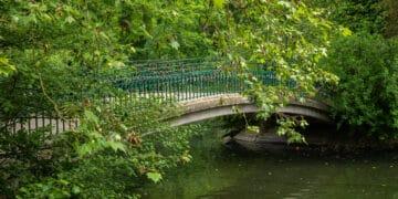 Die Bogenbrücke mit ihren zahreichen Liebesschlössern   wurde schon mehrmals zum romantischsten Ort Dortmunds gewählt. (Fotos: Wir in Dortmund)