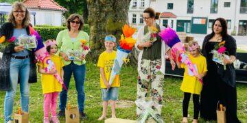 Die diesjährigen Schulkinder der Kita Kindernest Sterntaler erhielten im Rahmen des Sommerfestes auf Gut Königsmühle ihre Schultüten. (Foto: Maren Goerke)