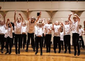 Der Kinderchor der Chorakademie am Konzerthaus Dortmund. (Foto: Finn Löw)
