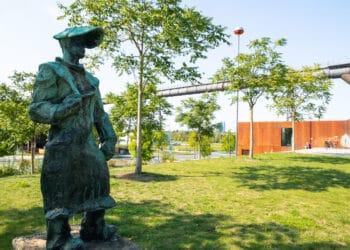 """Auch zum """"Hüttenmann"""" auf Phoenix-West führt der Spaziergang. (Foto: Wir in Dortmund)"""