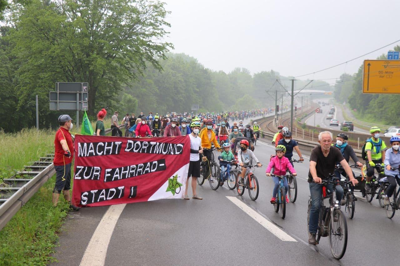 Tausende demonstrieren für besseren Radverkehr in Dortmund