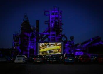 Im letzten Jahr fand ein Autokino auf Phoenix West statt. In diesem Jahr lädt ein Open-Air-Kino zum Besuch ein. (Archivfoto: Wir in Dortmund)
