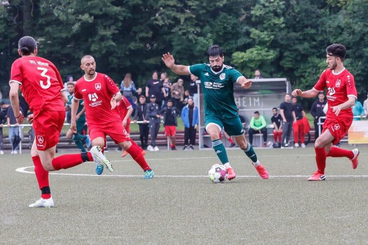 Im Endspiel am Samstag unterlag der VFL Hörde (rot) dem VFR Sölde (grün). (Foto: Schaper/Wir in Dortmund)