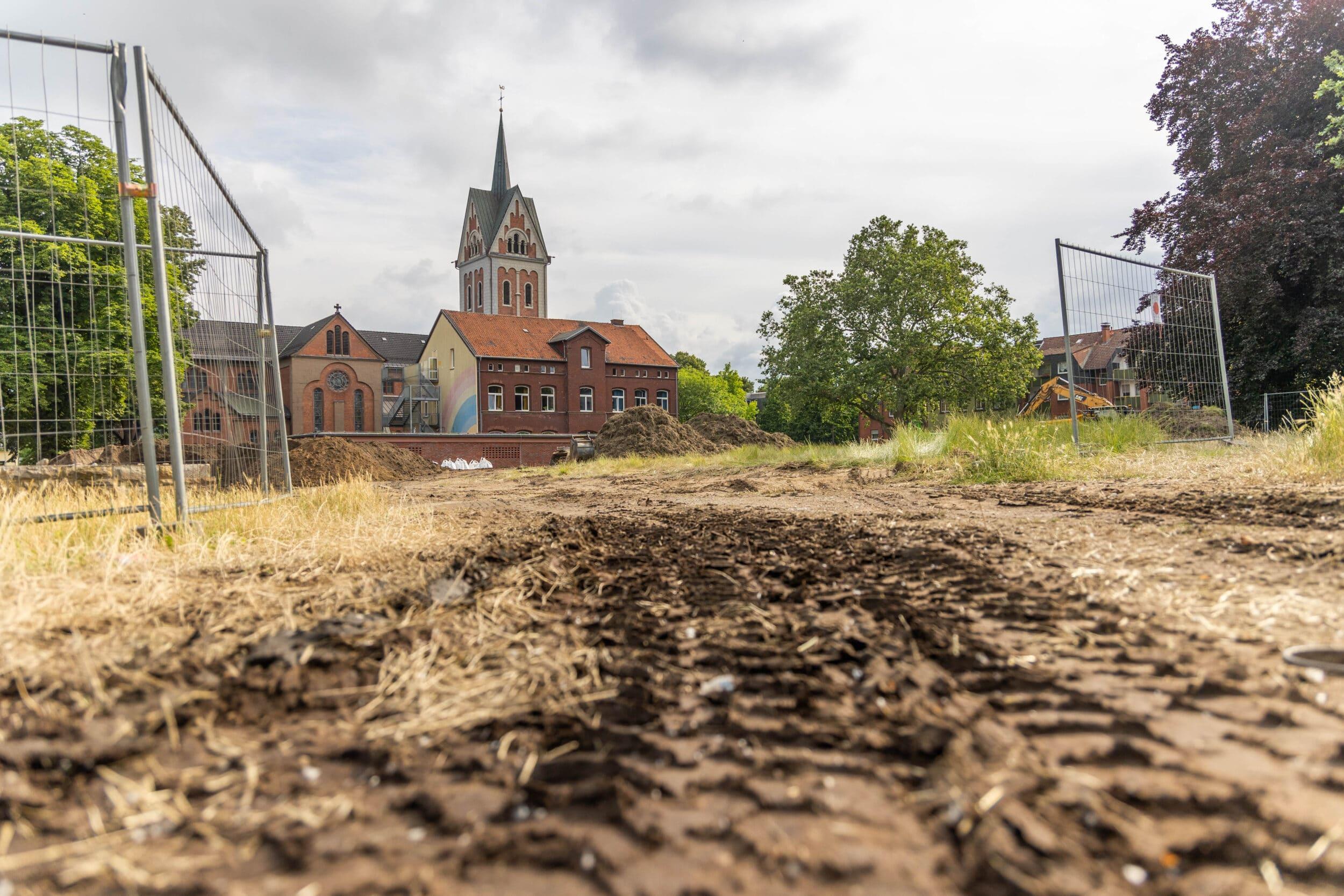 Mitten in Dorstfeld: Erst baggern, dann Antrag stellen?