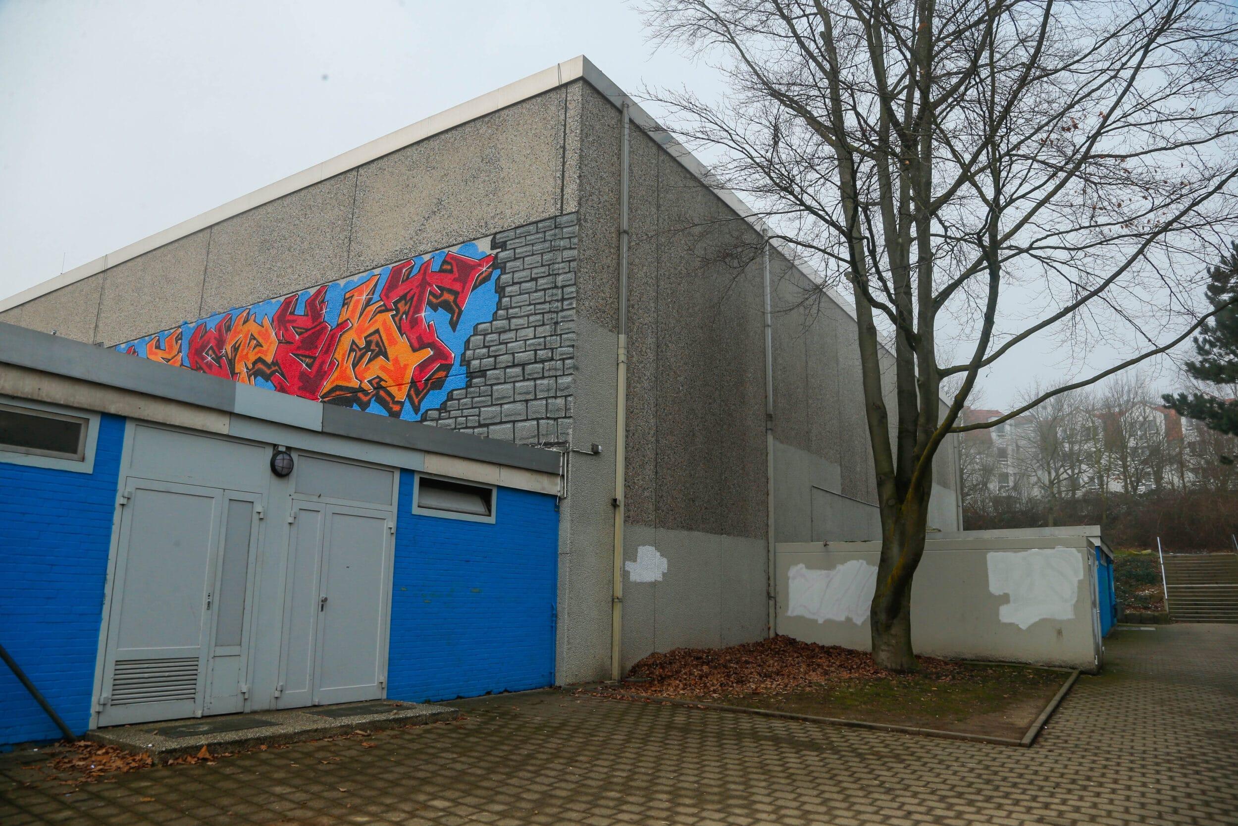 """""""Bernd"""" legt beide Kirchlinder Sporthallen still"""