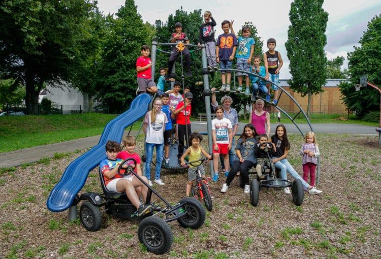 Freizeitangebote auf dem Spielplatz an der Eugen-Richter-Straße wird es in diesen Sommerferien nicht geben. (Archivfotos: Wir in Dortmund)