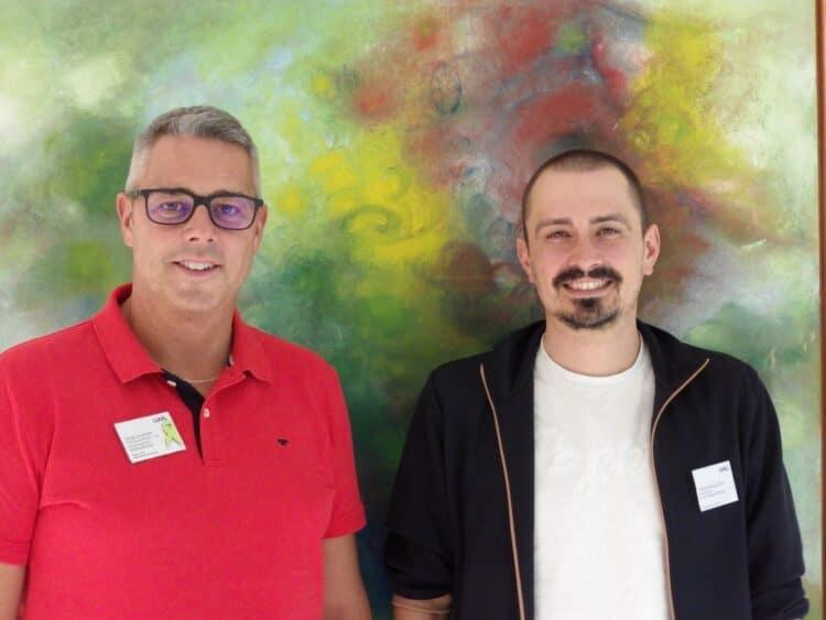 Tobias Goschütz und Matthias Pauge gestalten den ersten Gesprächsabend in der LWL-Klinik Dortmund. (Foto: LWL/Herstell)