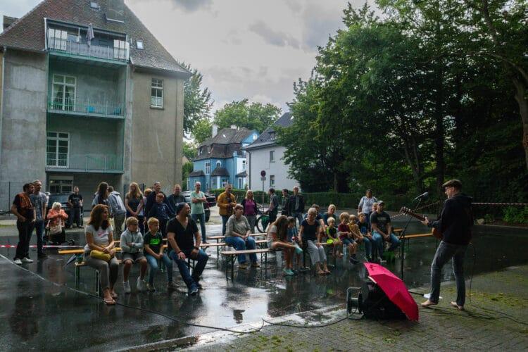 Die Veranstaltung fand auf dem Parkplatz hinter dem Mengeder Amtshaus statt. (Fotos: Wir in Dortmund)
