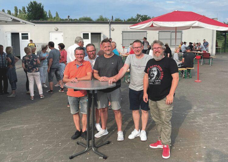 (v. l.) Christian Becker, Marco Grahl, Dr. Jan Wiethoff, Uwe Lenz und Dirk Feldhoff freuten sich über die gelungene Dankesfeier. (Foto: DJK Westfalia Do-Kirchlinde)