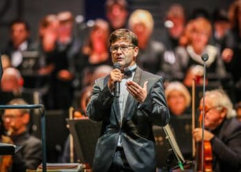 """Opernintendant Heribert Germeshausen moderiert die Operngala """"Zauber des Barock"""" am 27.08., für die unter anderem noch ein paar Karten erhältlich sind. (Foto: Stephan Schütze)"""