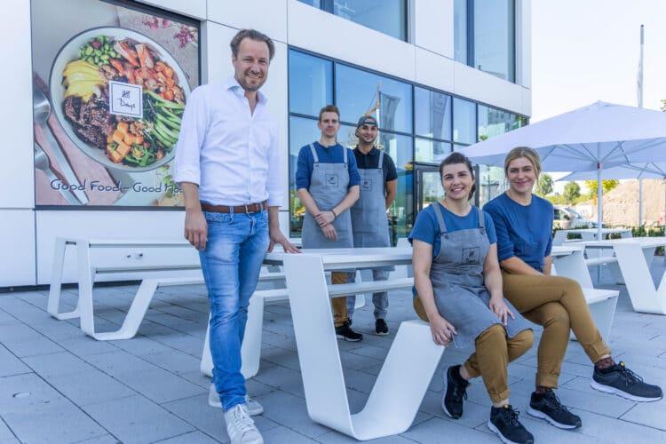 """Sascha Nies (l.) mit dem """"5 Days""""-Team auf Phoenix-West. (Foto: Wir in Dortmund)"""