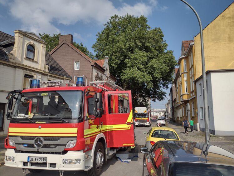 Ein Löschfahrzeug an der Einsatzstelle. (Foto: Feuerwehr Dortmund)