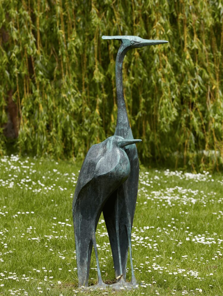 Auch der bronzene Fischreiher (1958;  von Hermann Koziol) steht im Westfalenpark. (Foto: Jürgen Spieler)