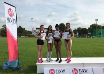 Die 4 x 100 m Staffel der Weiblichen Jugend U 18 mit Nehir Sönmez, Clara Hemmeke, Neele Glogowski und Merle Julius konnte sich über den Meistertitel freuen. (Fotos: TSV Kirchlinde)