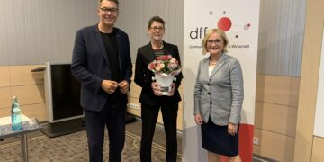 (v. l.) Oberbürgermeister Thomas Westphal, Birgit Jörder und Gabriele Brübach (Foto: dffw)